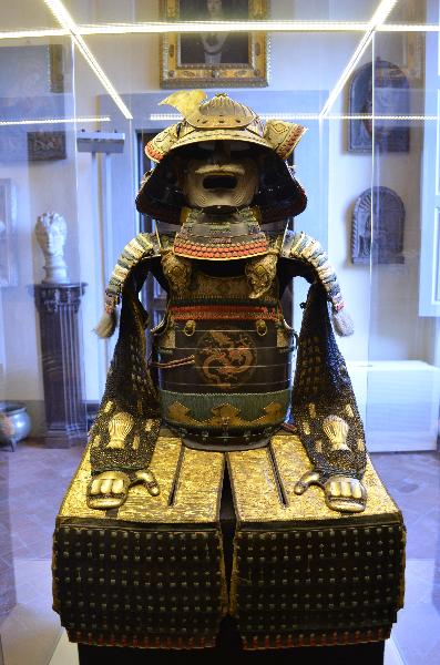 Collection-Profiles-Villa-la-Pietra-The-Samurai-Armor-